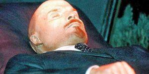 Lenin věčně živý: Proč vypadá lépe než v den smrti?